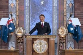 David Miscavige, Bestyrelsesformanden for Religious Technology Center og Scientologi religionens kirkelige leder, stod for indvielsen af den nye Scientologi kirke i Melbourne.