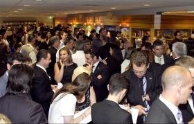 Tusinder af scientologer og gæster besøgte den nye Scientologi kirke i Melbourne. Den helt istandsatte ejendom inkluderer et informationscenter for offentligheden med over 450 informationsfilm. Her tilbydes en introduktion til hvert eneste aspekt af Dianetik og Scientologi samt L. Ron Hubbards liv og arv.