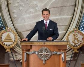 David Miscavige, bestyrelsesformand og kirkelig leder af Scientologi religionen, ledede indvielsen denne dag ved at åbne en ny kirke i landets hovedstad.